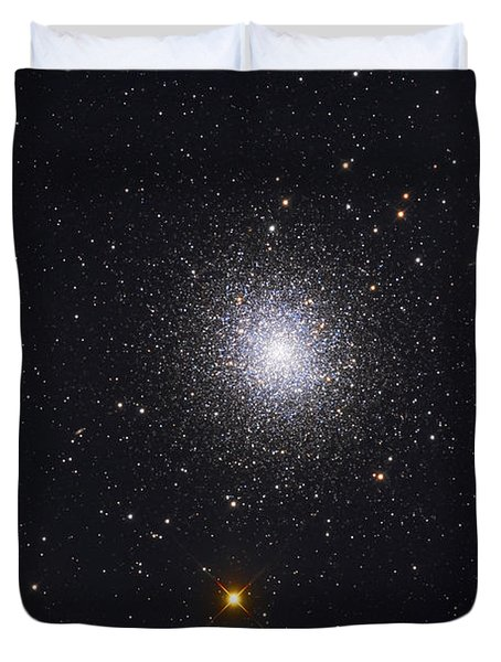 The Great Globular Cluster In Hercules Duvet Cover by Roth Ritter