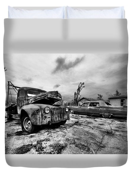 The Last Tow Duvet Cover