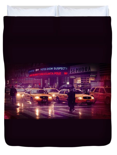 Duvet Cover featuring the photograph Times Square In The Rain by Ray Devlin