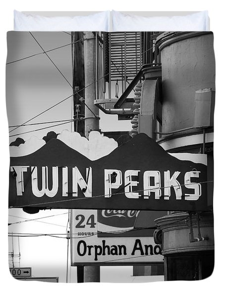 Twin Peaks Bar In San Francisco Duvet Cover by Wingsdomain Art and Photography