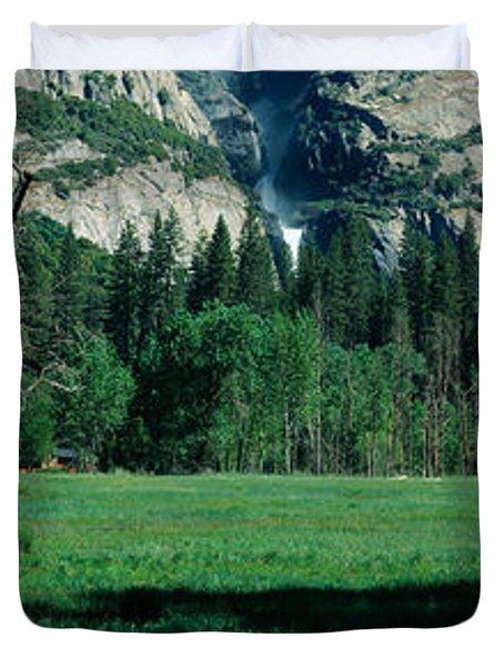 Upper And Lower Yosemite Falls Duvet Cover