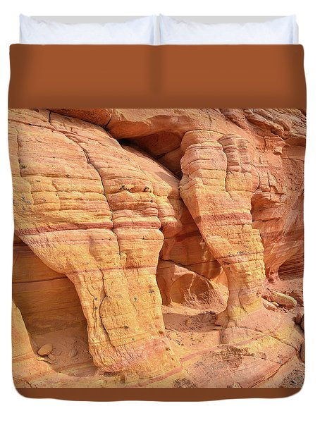 Duvet Cover featuring the photograph Valley Of Fire Wall Arches by Ray Mathis