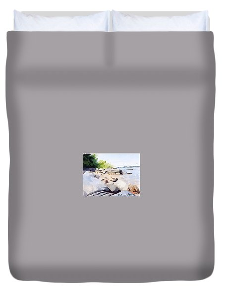 Wall And Beach At Ten Pound Island Duvet Cover