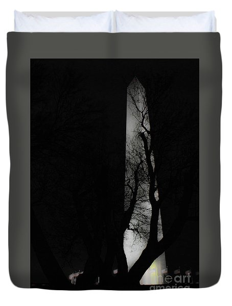Duvet Cover featuring the photograph Washington Monument by Angela DeFrias