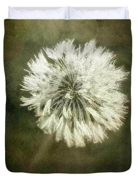 Water Drops On Dandelion Flower Duvet Cover