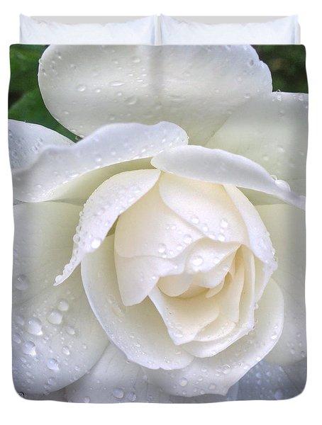 White Rose And Raindrops Duvet Cover