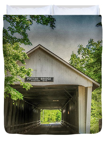 10700 Potter's Bridge Duvet Cover