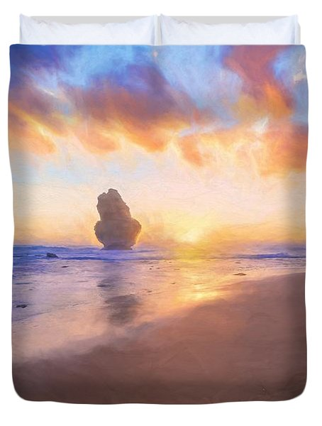 12 Apostles With Marshmallow Skies    Og Duvet Cover
