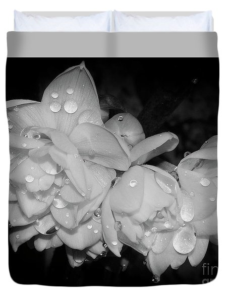 Duvet Cover featuring the photograph Flowers by Elvira Ladocki