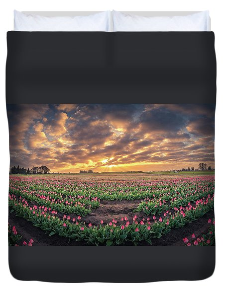 Duvet Cover featuring the photograph 180 Degree View Of Sunrise Over Tulip Field by William Lee