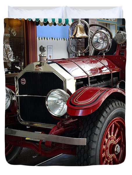 1917 American La France Type 12 Fire Engine Duvet Cover by Wingsdomain Art and Photography