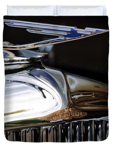 1929 Duesenberg Model J Hood Ornament Duvet Cover