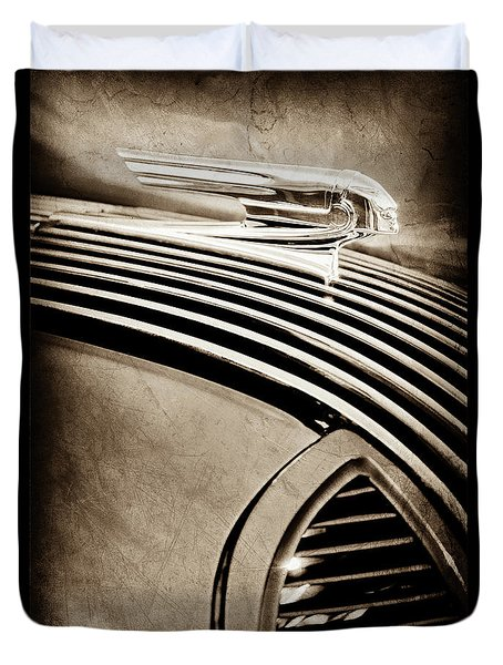 Duvet Cover featuring the photograph 1936 Pontiac Hood Ornament -1140s by Jill Reger