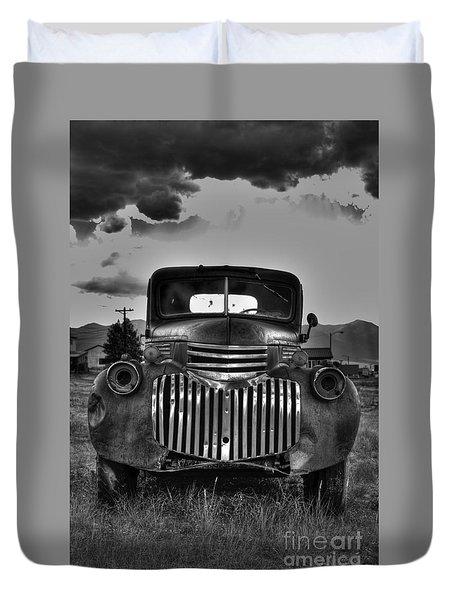 1940's Chevrolet Grille Duvet Cover