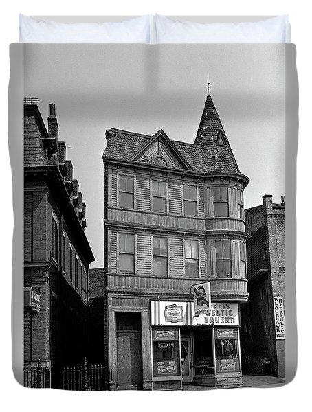 Duvet Cover featuring the photograph 1965 Jack's Celtic Tavern Boston by Historic Image