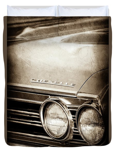 Duvet Cover featuring the photograph 1967 Chevrolet Chevelle Ss Super Sport Emblem -0413s by Jill Reger
