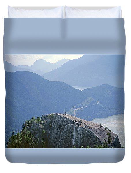 1m2918 South Summit Stawamus Chief From Second Summit Duvet Cover