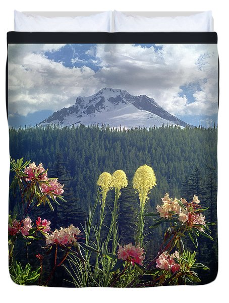 1m5101 Flowers And Mt. Hood Duvet Cover
