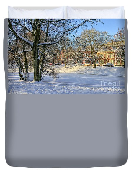 Beautiful Park In Winter With Snow Duvet Cover