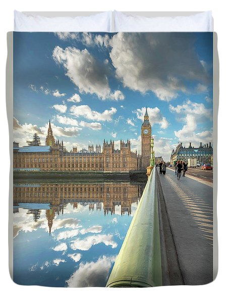 Duvet Cover featuring the photograph Big Ben London by Adrian Evans