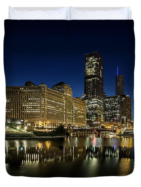 Chicago River And Skyline At Dawn Duvet Cover