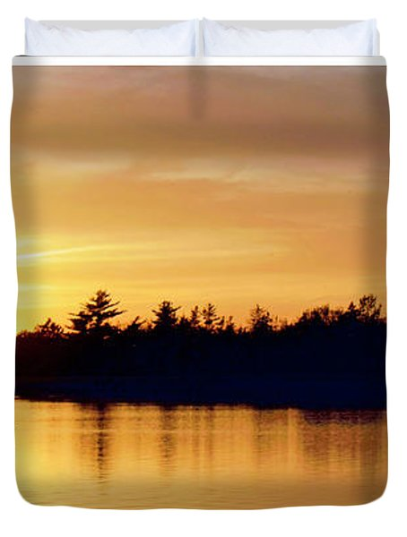 Fishermen On A Lake At Sunset Duvet Cover