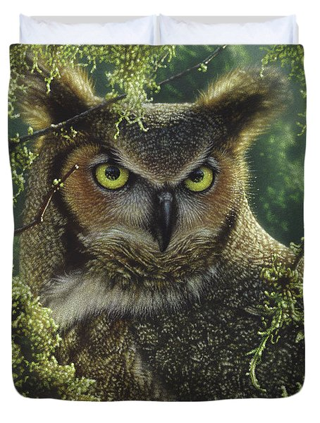 Great Horned Owl - Watching And Waiting Duvet Cover