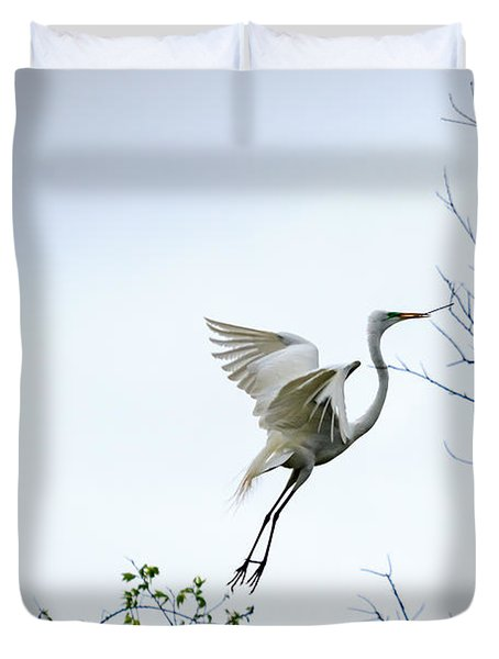 Great White Egret In Flight Duvet Cover