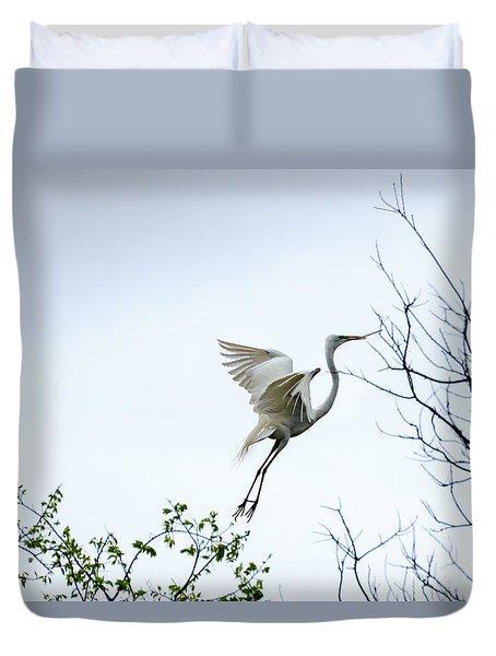 Great White Egret In Flight Duvet Cover