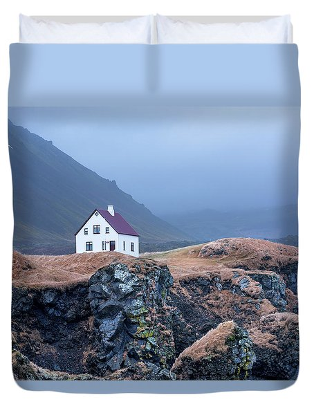 House On Ocean Cliff In Iceland Duvet Cover