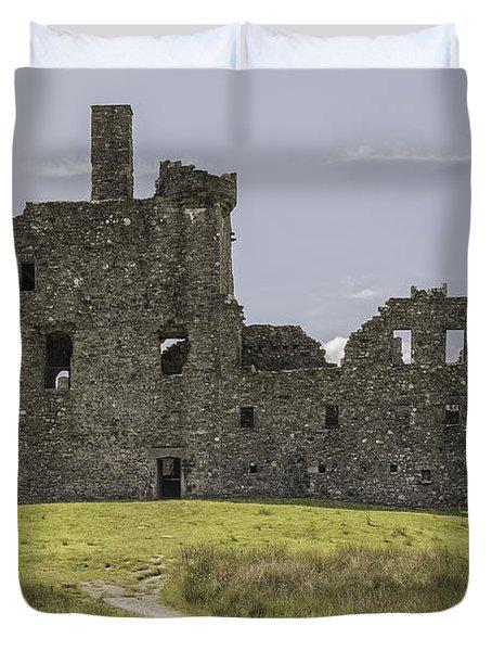 Kilchurn Castle In Scotland Duvet Cover
