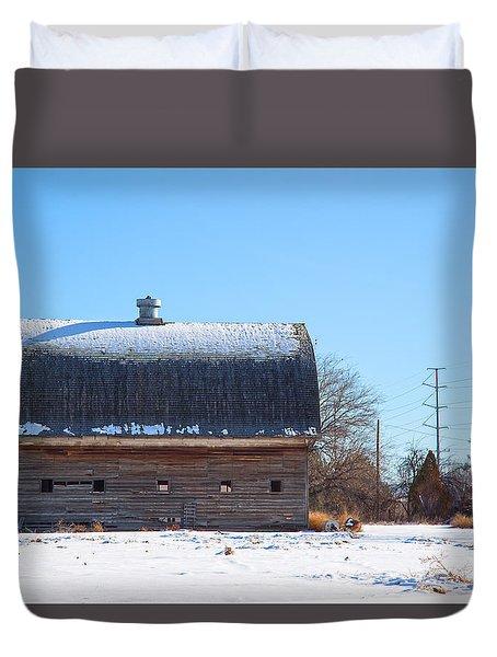 Old Barn In Idaho Duvet Cover