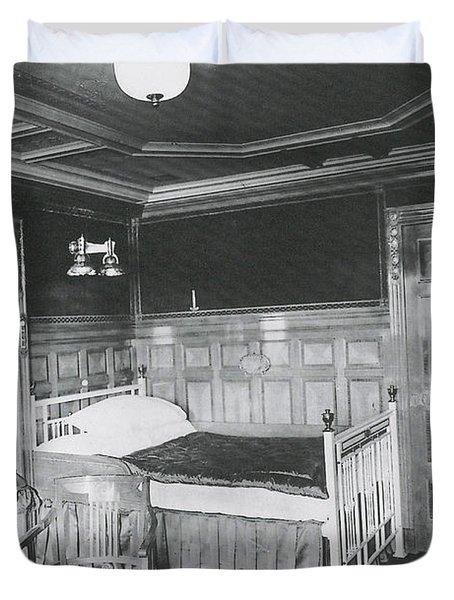 Parlour Suite Of Titanic Ship Duvet Cover by Photo Researchers