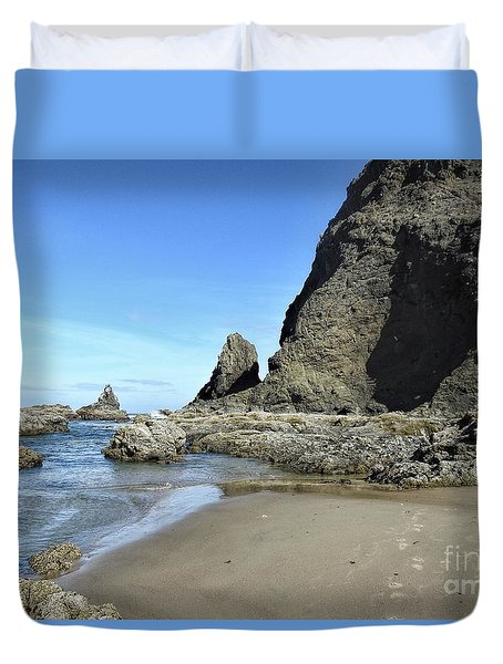 Duvet Cover featuring the photograph Roads End by Peggy Hughes