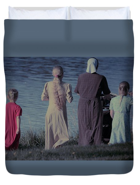 Strolling Seamstress Family Duvet Cover