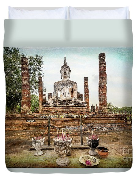 Duvet Cover featuring the photograph Sukhothai Buddha by Adrian Evans