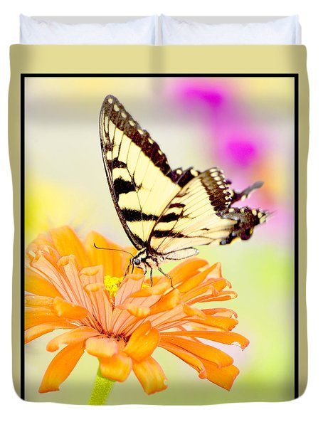 Duvet Cover featuring the photograph Tiger Swallowtail Butterfly On Zinnia Flower by A Gurmankin