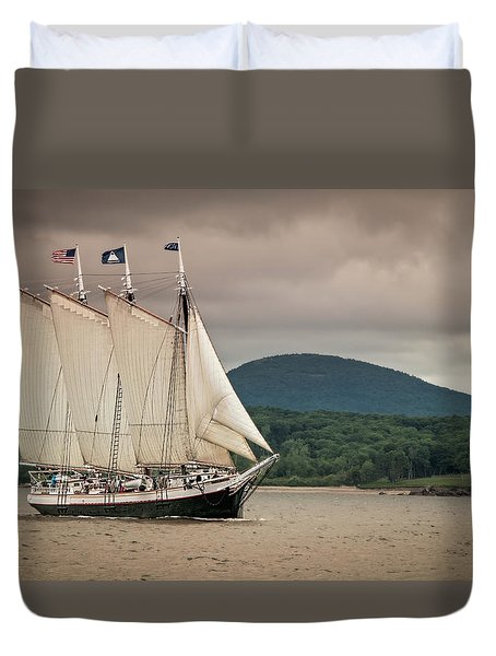 Victory Chimes Duvet Cover