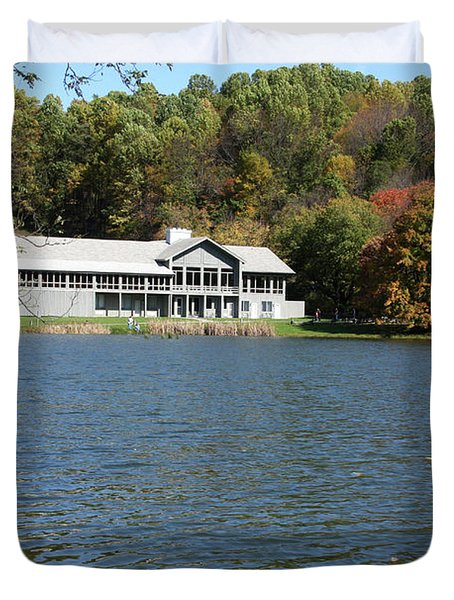 View Of Peaks Of Otter Lodge And Abbott Lake  In Autumn Duvet Cover
