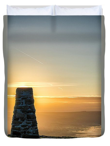 View Over The Hope Valley From Mam Tor At Dawn Duvet Cover