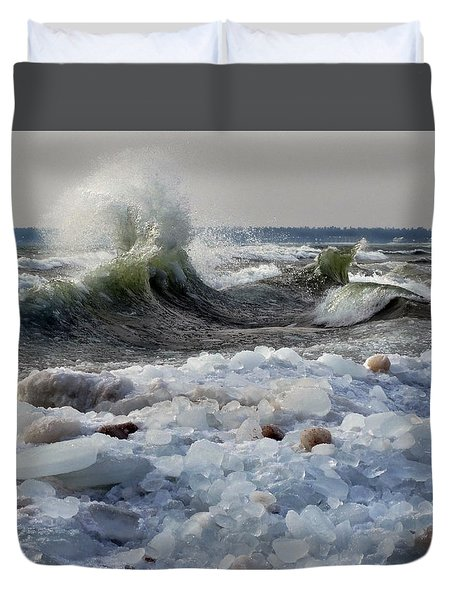 Winter Waves At Whitefish Dunes Duvet Cover