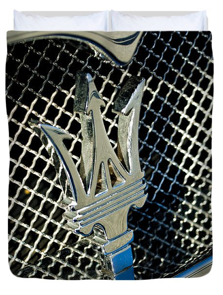 2002 Maserati Combiocorsa Spyder Hood Ornament Duvet Cover by Jill Reger
