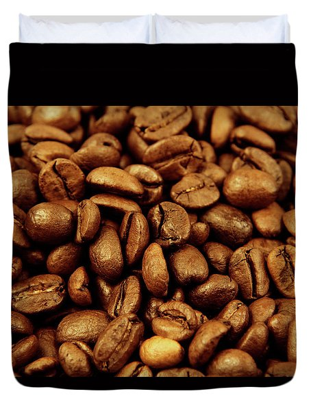 Duvet Cover featuring the photograph Coffee Beans by Les Cunliffe