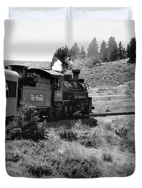 Duvet Cover featuring the photograph 25 Miles Per Hour by Ron Cline