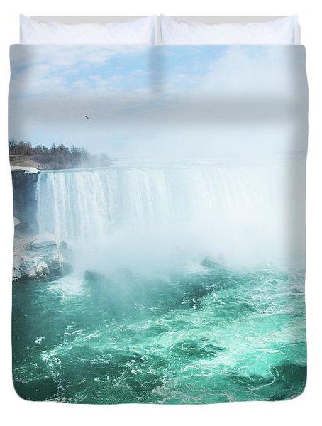 Niagara Falls Scenery In Winter Duvet Cover