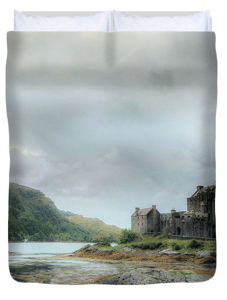 Eilean Donan Castle - Scotland Duvet Cover