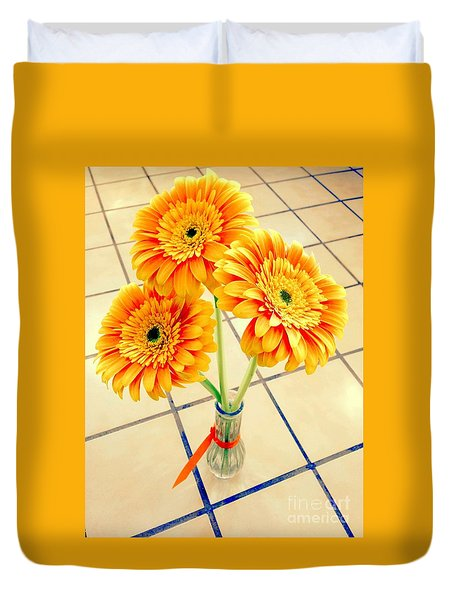 3 Golden Yellow Daisies Gift To My Beautiful Wife Suffering With No Hair Suffering Frombreast Cancer Duvet Cover by Richard W Linford