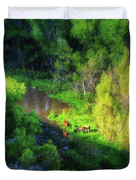 3 Horses Grazing On The Bank Of The Verde River Duvet Cover
