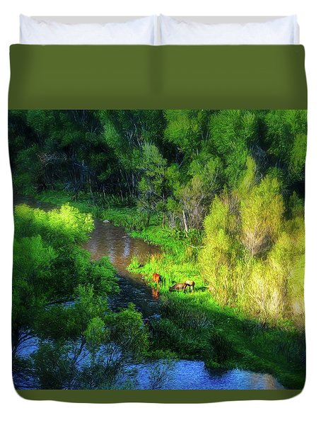 3 Horses Grazing On The Bank Of The Verde River Duvet Cover
