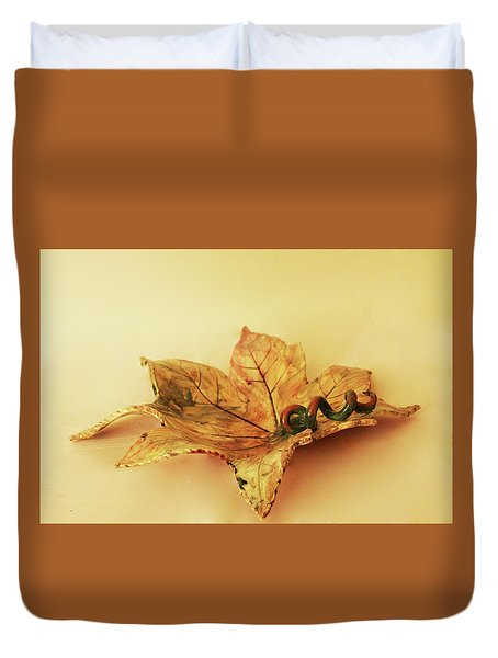 Leaf Plate1 Duvet Cover